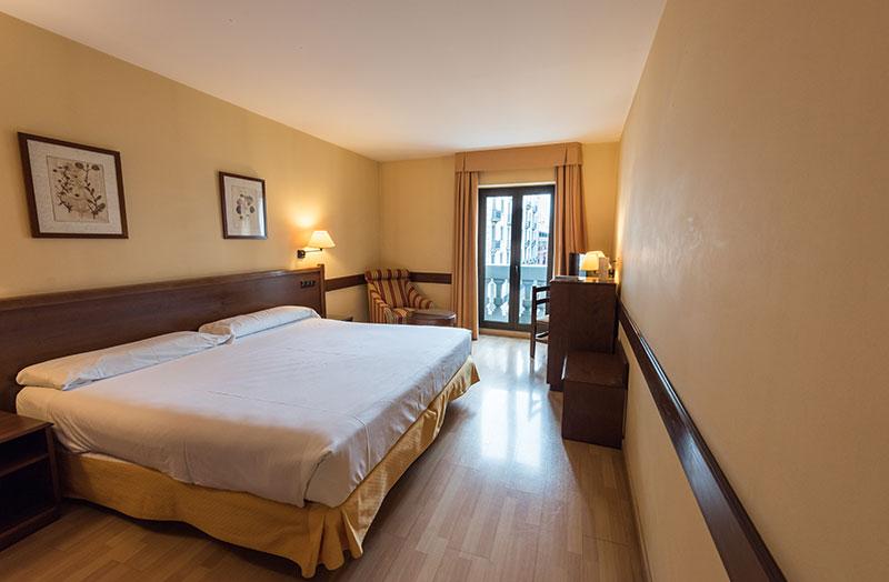 Hotel en el centro de zaragoza las habitaciones hotel for Habitaciones zaragoza